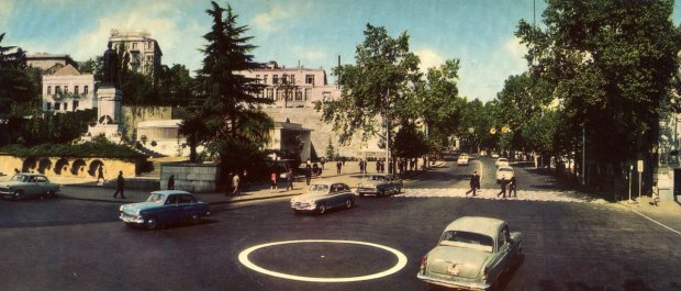 Metro station Rustaveli ave.